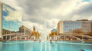 Hofpleinfontein en Hilton Rotterdam