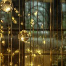 Lampen in de lobby van het Hilton Rotterdam